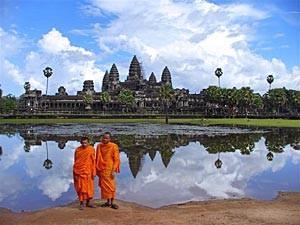 rondreis cambodja - angkor monniken