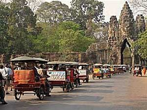 angkor tuktuk cambodja