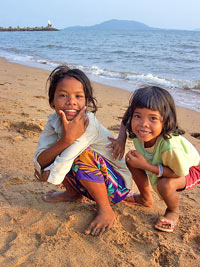 cambodja strand kepkinderen