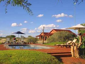 comfort windhoek zwembad namibie