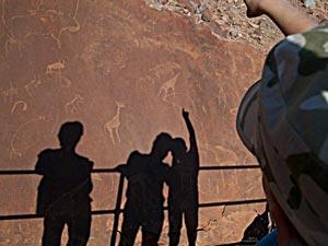 rotstekeningen bij twijfelfontein namibie