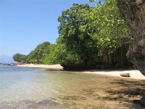 Strand Bunaken Indonesie