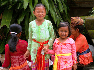 lachende kinderen in indonesie