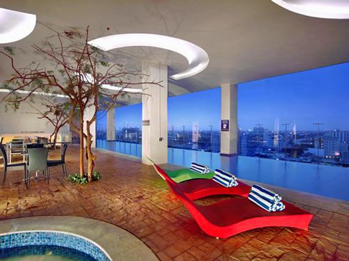 makassar hotel zwembad