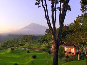 overnachten met zonsondergang Indonesie