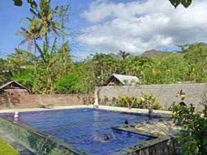 zwembad pemuteran familiehotel bali