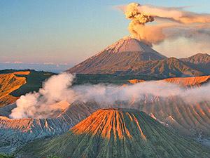 rokende vulkanen java bali indonesie