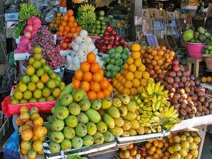 seraya markt rondreis bali indonesie