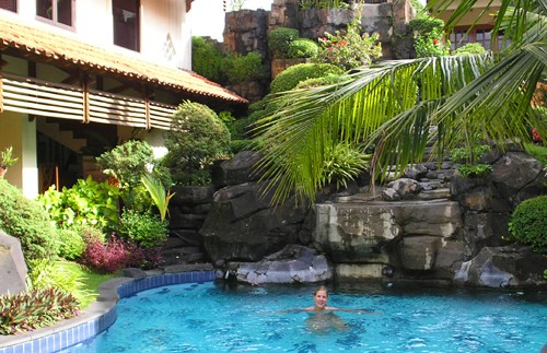 yogyakarta hotel pool indonesie