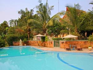 Sumatra - Medan zwembad hotel Kampung