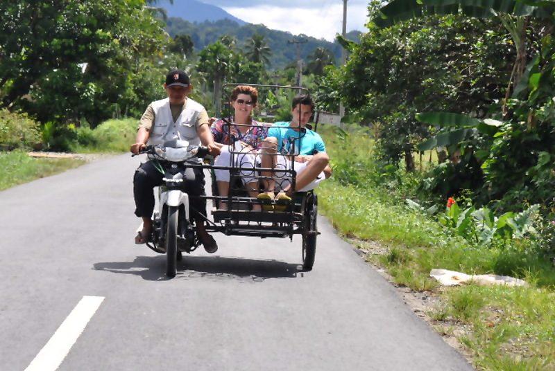 Crossen door de Kampung