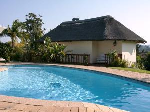 Entspannen Sie am Pool in Knysna, Südafrika