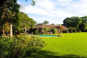Ein großer Garten lädt zum entspannen ein - Addo Elephant Park, Südafrika
