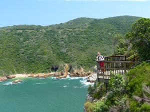 Südafrika - Gardenroute - Blick auf die felsige Küste