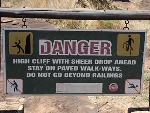 Ein Warnschild in Südafrika