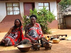Swaziland - Mlilwane Wildlife Sanctuary - Frauen in Swaziland - Nordosten Südafrika