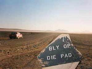 Verkehrsschild in der Weite Südafrikas