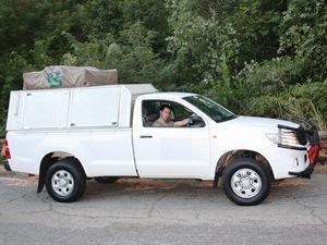 Reisen Sie individuell mit Geländewagen und Dachzelt