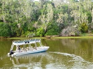 Bootstransfer über den Kariega Fluss