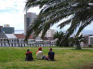 Picknick im Park mit Blick auf Port Elizbaeth