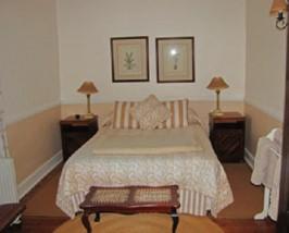 Zimmer in einer kolonialen Lodge in Swaziland