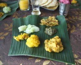 Mittagessen auf Bananenblatt