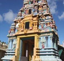Ein farbenfroher tamilischer Tempel