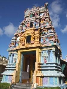 Segeln Mauritius - Ein farbenfroher tamilischer Tempel