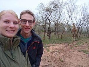 Südafrika - Krüger Nationalpark - Reisende bei einer Buschwanderung