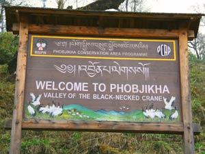 Willkommensschild vom Kranichtal, Bhutan