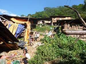 Kinder in Slumsiedlung
