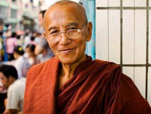 Begegnung mit Mönch in Myanmar