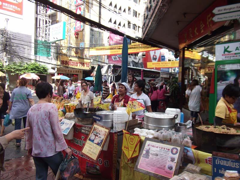 Marktstände in Chinatown in Bangkok, Thailand