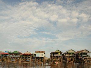Dorf auf dem Tonle Sap See bei Siem Reap