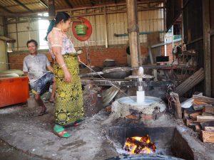 Traditionelle Herstellung von Nudeln