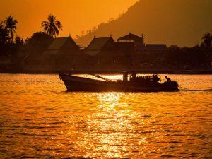 Der Zeitunterschied zu Kambodscha beträgt 5 oder 6 Stunden