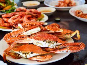 Frisch zubereitete Krabben in Kep Kambodscha
