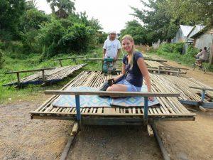 Mit der Bambusbahn in Kambodscha unterwegs