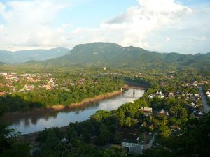 Blick vom Phou Si Hill über Luang Prabang
