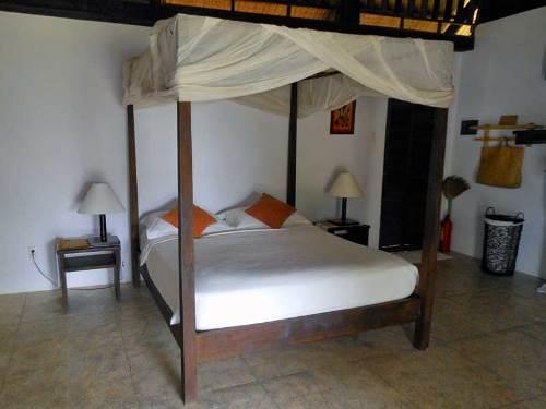 Zimmer im einfachen Bungalow