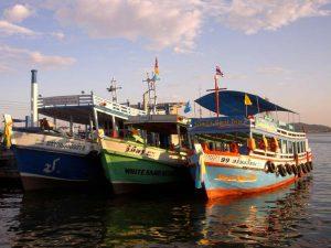 Fischerboote vor Koh Chang