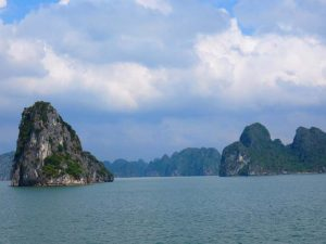 Felsen in der Ha Long Bucht in Vietnam