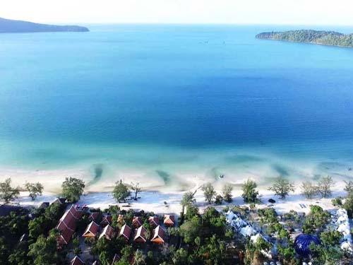 Ein Strand zum Entspannen, Baden und Erholen