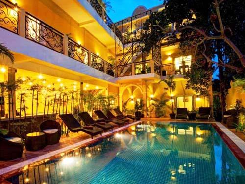 Hotel mit Pool in Phnom Penh bei Kambodscha Reisen