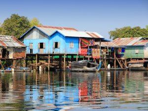 Dorf am Rand des Tonle Sap Sees
