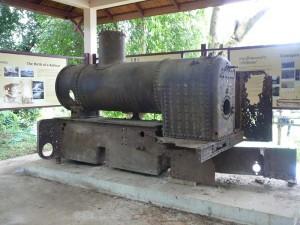 Alte französische Eisenbahn auf Don Khone