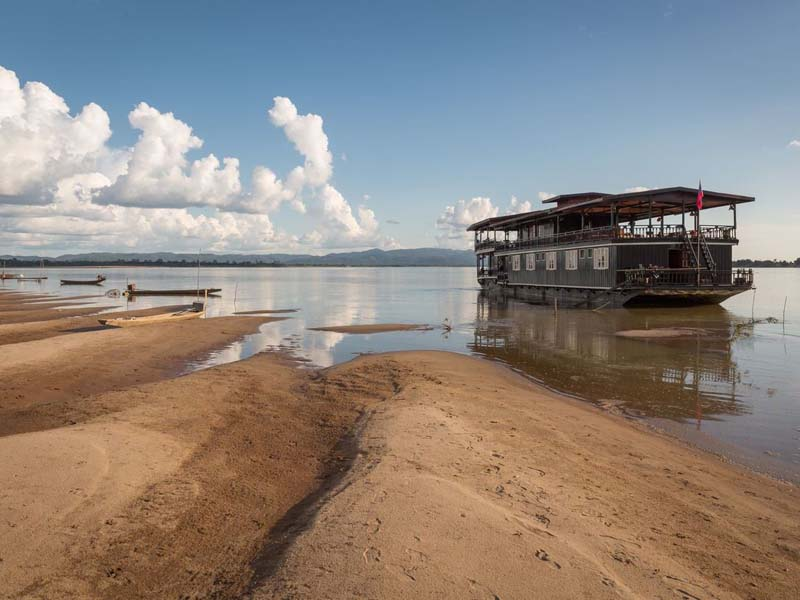 Vat Phou Cruise am Mekong