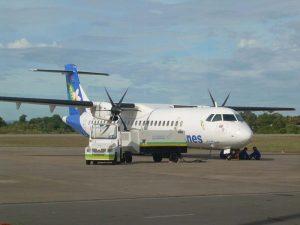 Das Flugzeug ist ein bequemes Verkehrsmittel in Laos