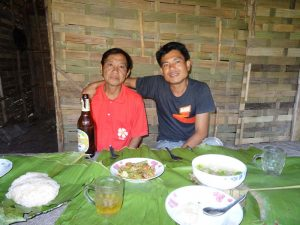 In den abgelegenen Regionen sprechen die Menschen hauptsächlich Laotisch