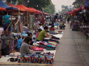 Telefon und Internet sind in Laos in den Städten gut ausgebaut